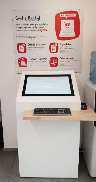 The kiosk supports cashiers at peak times and makes it easy to pay for customers at the showroom.